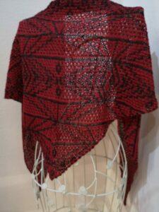 Dreieckstuch Hebemaschen rot schwarz