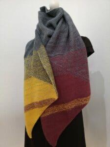KundInnenprojekt Kuschelschal aus Drachenwolle als Schal